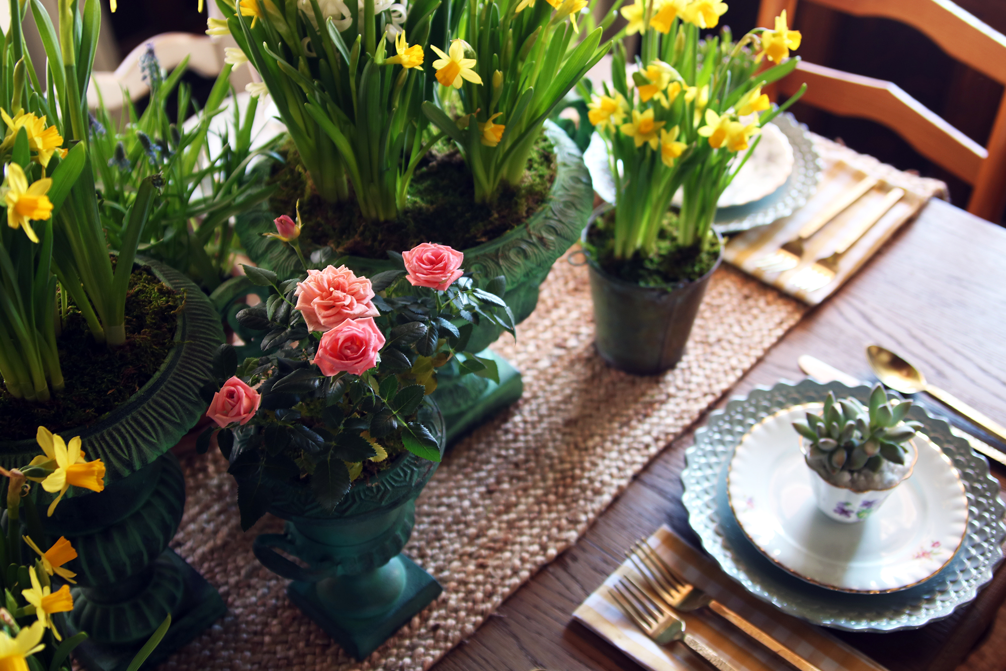The Farmhouse Project: How to style your spring tablescape inspired by the garden.